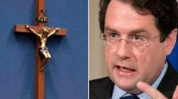 PQ Minister Explains Why Crucifix Is