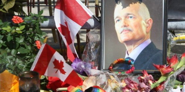 Jack Layton State Funeral: Thousands Attend Toronto Service For NDP Leader; Screens Set Up For Overflow