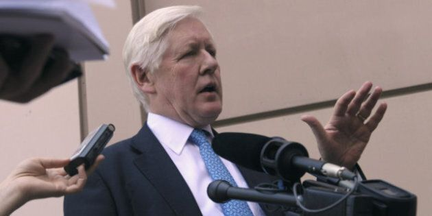Rae blasts Harper Tories for rigid approach to deficit, taxes as economy