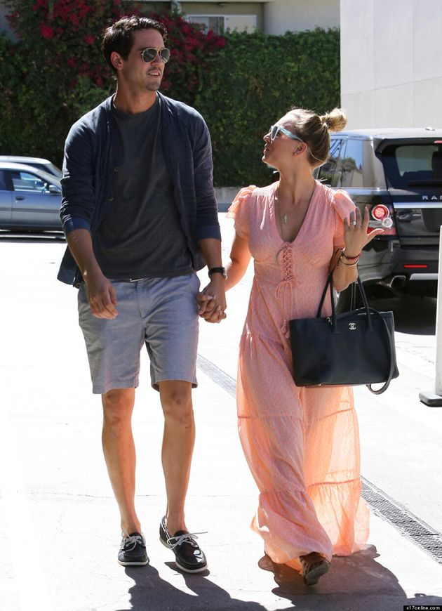 Kaley Cuoco Flaunts Her $65,000 Engagement Ring
