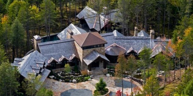 House Of The Week: Tremblant Lodge You Could Mistake For A Hotel, Complete With 3
