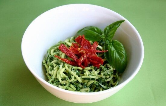 A Sneaky Eat-Your-Greens Pesto Zucchini Pasta