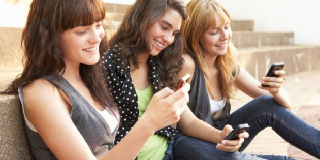 Texting And Lying: People More Likely To Be Dishonest While Texting, Study