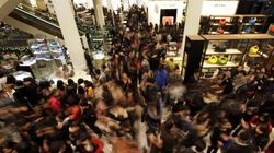 Bargain Hunters Swarm Malls, Websites On Boxing