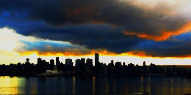 Vancouver Housing Bubble: Housing Starts Decline In
