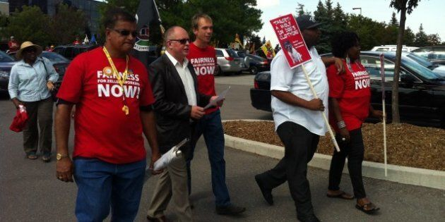 Target Canada Protest: Zellers Workers, Unions Demonstrate Against Mass