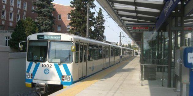 Health Sciences, Edmonton Alberta. Original upload log: LRT. (Edmonton)Category:Train station platforms...