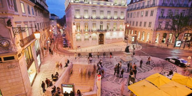 Portugal Debt Crisis: Moody's Downgrades Banks On Exposure To Government