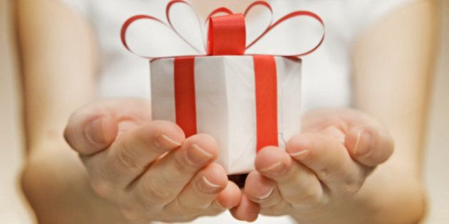 Give Good Hostess Gifts: Expert Advice From Finishing School's Karen