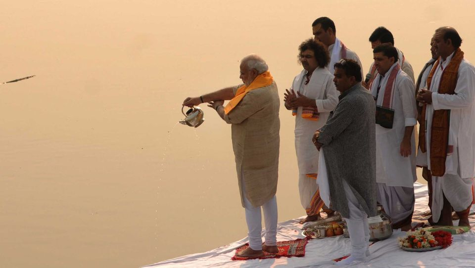 Prime Minister Narendra Modi performing Ganga aarti pooja after cleaning Assi ghat on November 8, 2014...