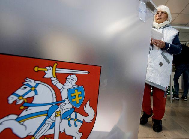 Ήττα του πρωθυπουργού της Λιθουανίας - Ποιοι πάνε στον δεύτερο γύρο των προεδρικών