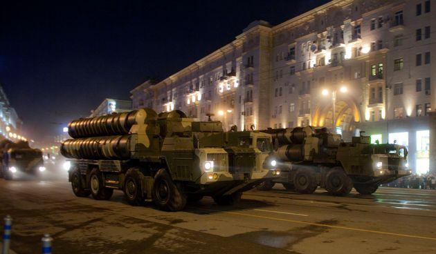 Φωτογραφία φέρεται να δείχνει ρωσικούς πυραύλους S-300 στις