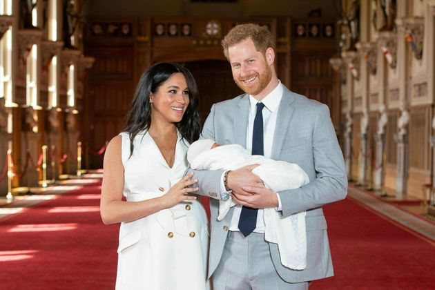 Μέγκαν Μαρκλ και πρίγκιπας Χάρι: Δημοσίευσαν την πιο γλυκιά φωτογραφία του Άρτσι για την γιορτή της