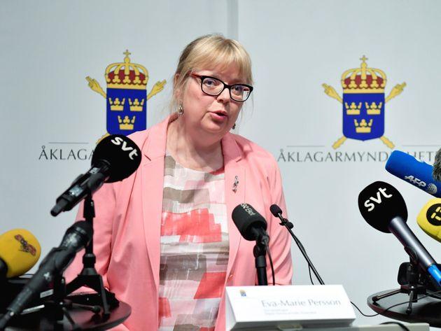 Suecia reabre la investigación contra Assange por