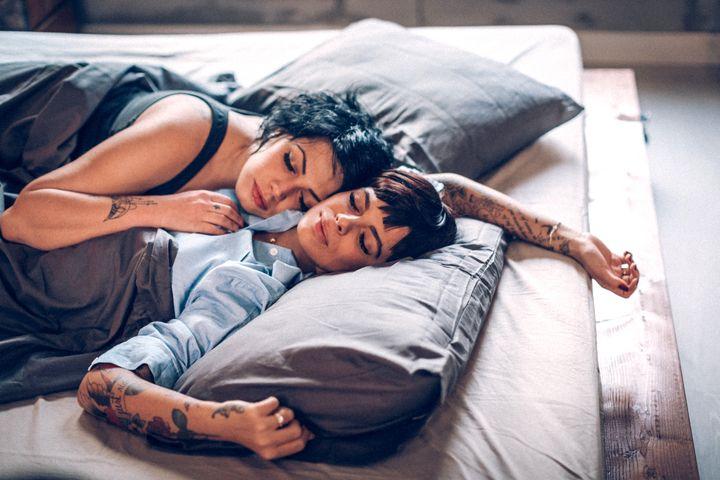 """""""A autoexploração é a melhor maneira, psicológica e fisiologicamente, de a pessoa alcançar orgasmos melhores sozinha."""""""