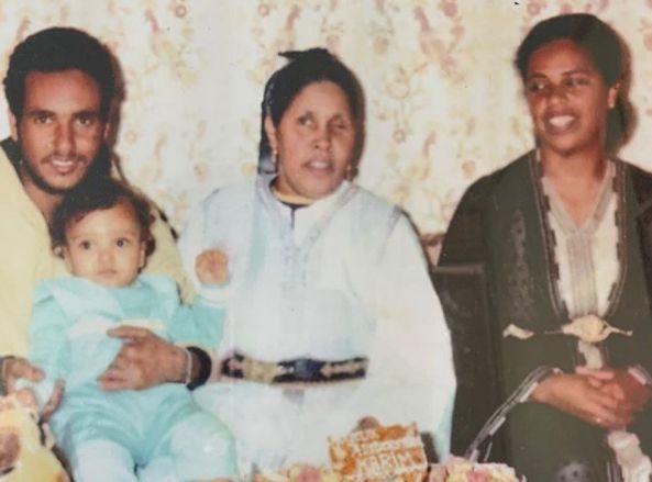 French Montana souhaite une bonne fête des mères avec une photo de son enfance au