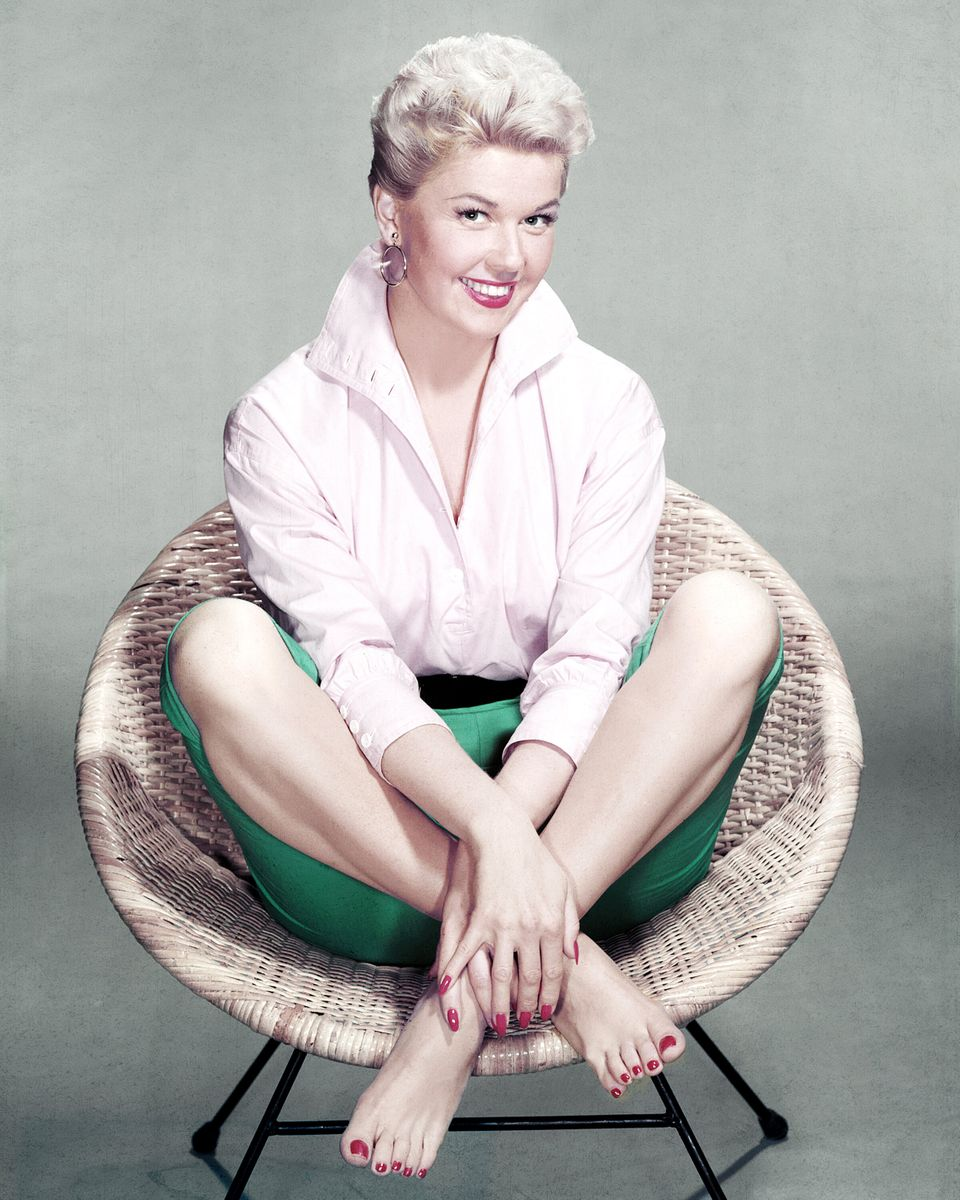 Westlake Legal Group 5cd97d7d210000350080251c A Look Back At Doris Day's Life And Career In Photos