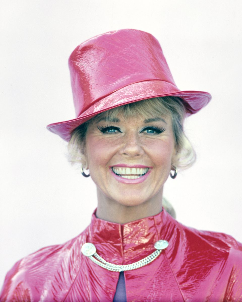 Westlake Legal Group 5cd97e9c2100003500802526 A Look Back At Doris Day's Life And Career In Photos
