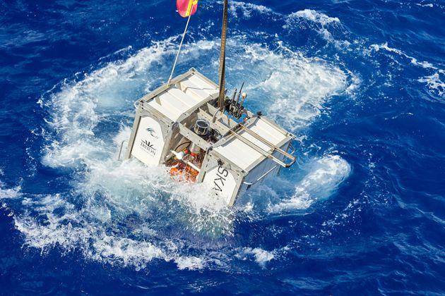 Δύτης βούτηξε στο πιο βαθύ σημείο των ωκεανών και αντίκρισε πλαστική
