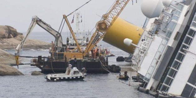 Francesco Schettino Petition: Group Aims To Stop Costa Concordia Captain From Getting Back