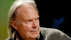 Cracker Singer Says Sorry To Neil Young After Bandmate's Attack Over HuffPost