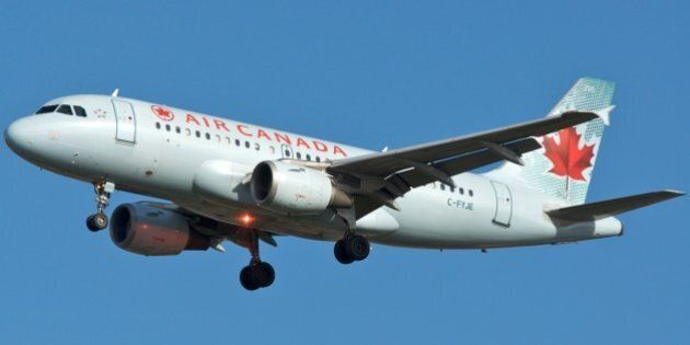 Air Canada A319 C-FYJE about to touch down on