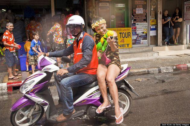 Songkran 2014: When Does Thailand's New Year Festival Start? (PHOTOS,