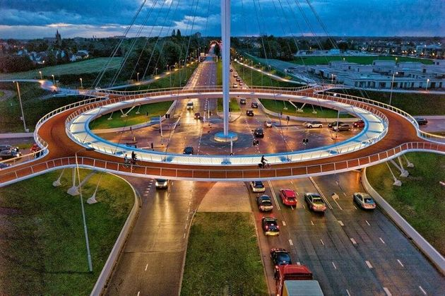 The Hovenring, Netherlands' Suspended Bike Roundabout, Is A Cyclist's Dream