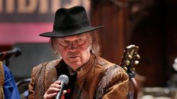 Neil Young Warns Oilsands Will Look Like 'The