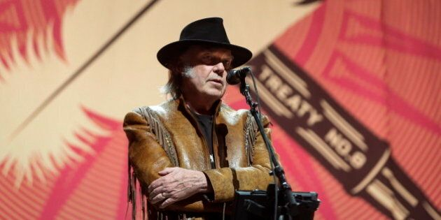 Neil Young Concert Tour Surpasses Anti-Oilsands Fund