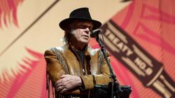 Neil Young Dismisses Criticism: 'Like Water Off A Duck's