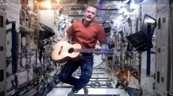 WATCH: Astronaut Sings Bowie