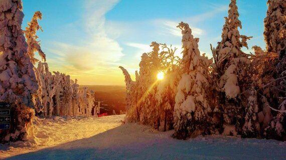 7 Fun Family Ski Spots For March Break