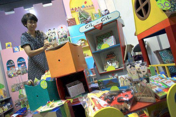 Indonesian Womanpreneurs: Struggle To