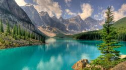 5 Reasons To Visit Banff National Park This