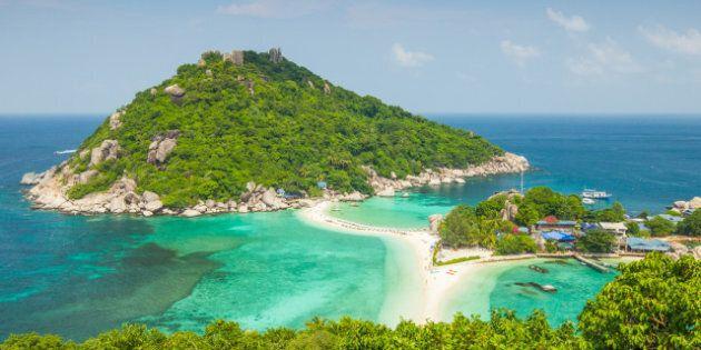 tropical island paradise koh...