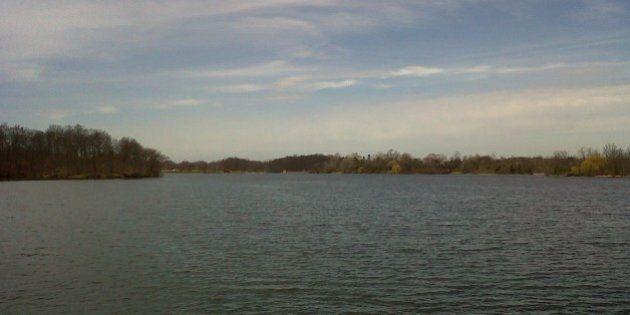 U.S. Coast Guard Rescues 2 Women Stranded On Lake