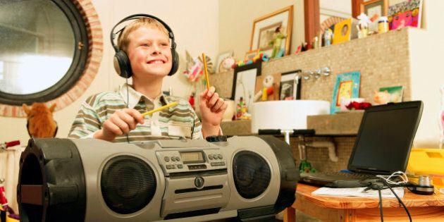 Are Short Attention Spans Killing The Music Business? Calgary Radio Station Thinks
