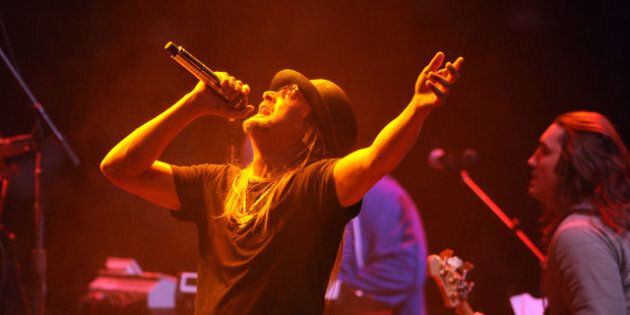 MANCHESTER, NH - NOVEMBER 5: Kid Rock performs at a rally for Republican presidential candidate, former...