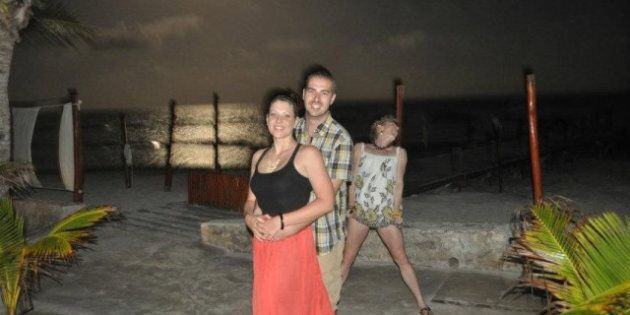 Travel Photobombs: A Roundup Of The Funniest Snapshots Taken On