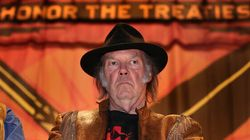 PMO Blasts 'Rock Star' Neil Young, He Blasts