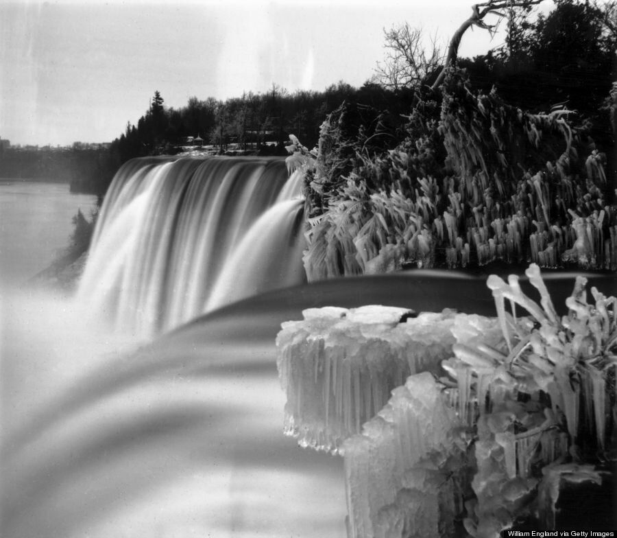Frozen Niagara Falls In Black And White Is A Look Into The Pretty Past