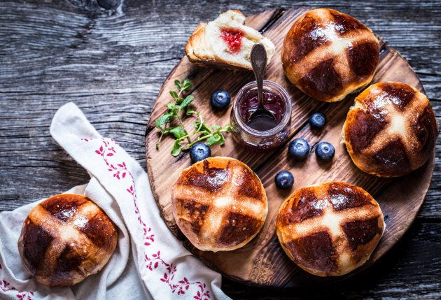 Queen Elizabeth I passed a law limiting the sale of these delicious buns.