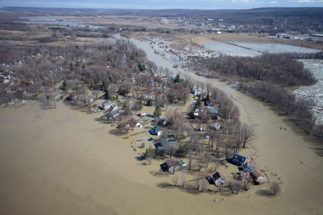 A view from a Canadian Forces helicopter shows the flooded region of Rigaud,
