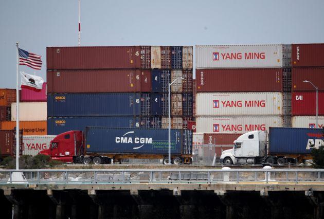 중국이 미국에 '보복 관세'를 예고했고, 세계 증시가