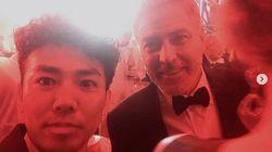 ピースの綾部祐二、俳優ジョージ・クルーニーと2ショットを公開