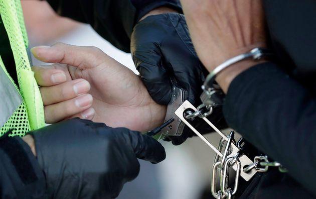 Montréal: les policiers toujours aux trousses des immigrants sans