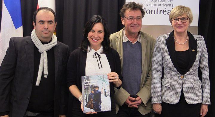 Valérie Plante (centre) et Magda Popeanu (droite) lors de la présentation du plan Montréal Inclusive.