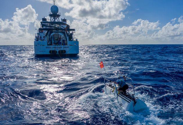 마리아나 해구의 역대 가장 깊은 곳에 도달한 다이버가 발견한 것 :