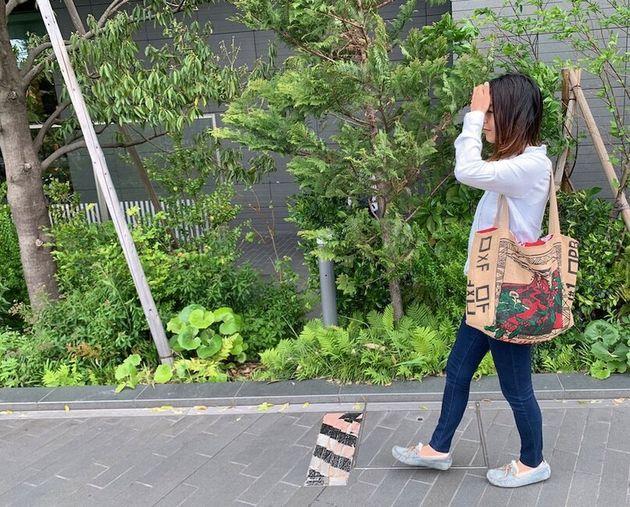 お気に入りのマイバッグ。大容量で丈夫なのだ。